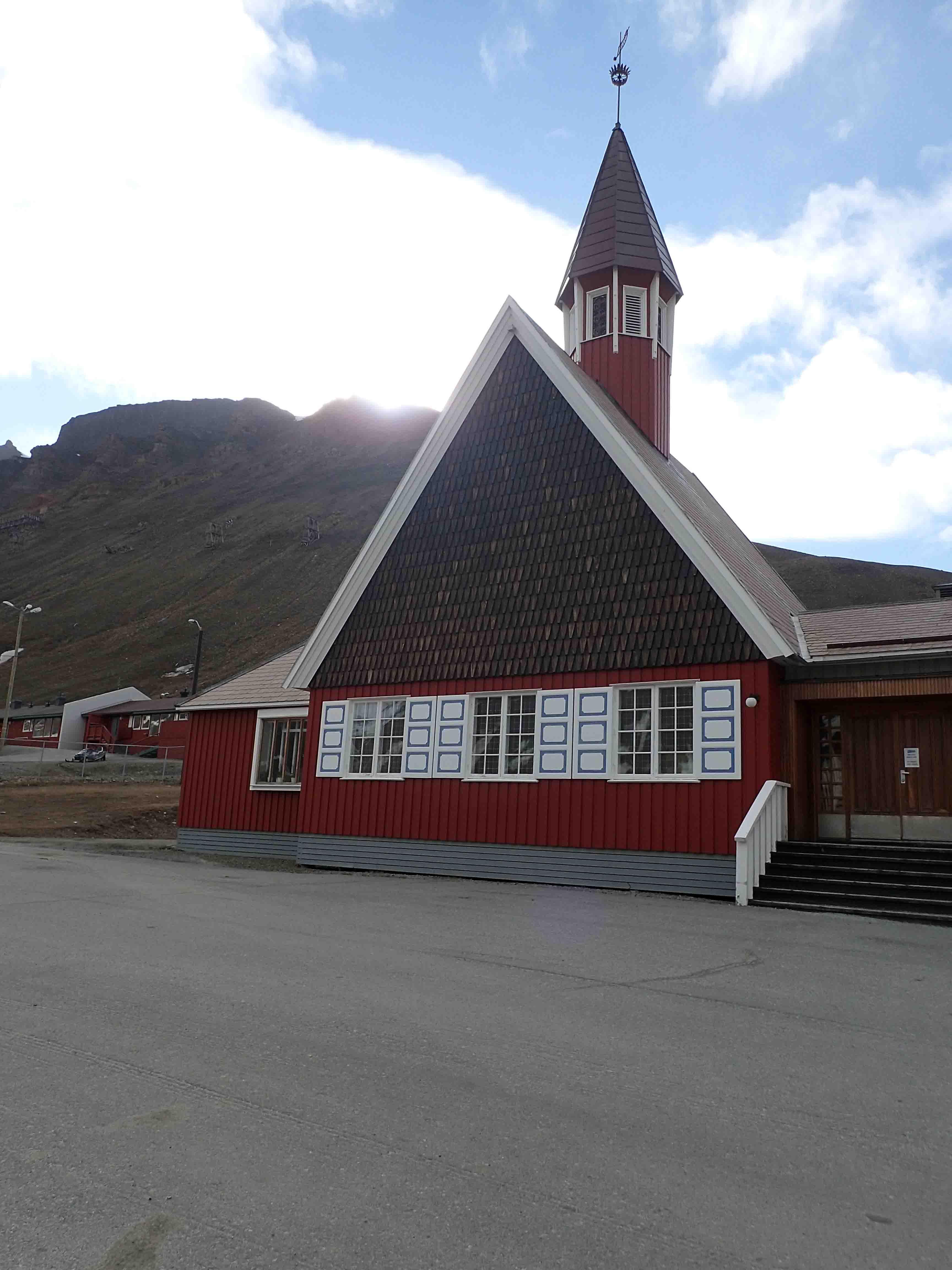 church in longyearbyen