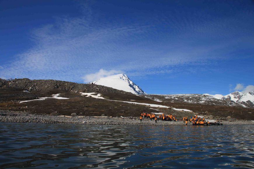 hikers at Bockfjorden