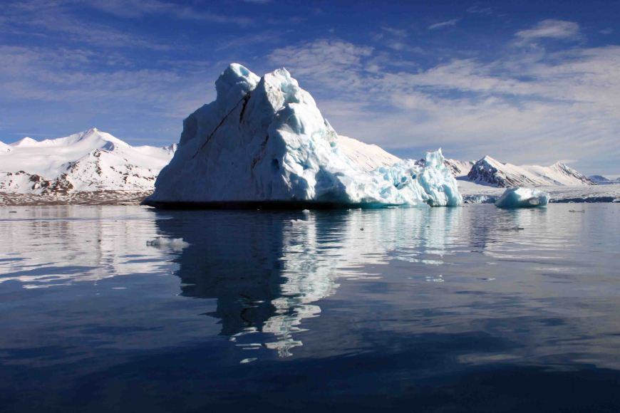 iceberg at Monacobreen