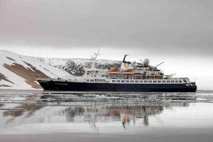 IMG_9656 boat adventuresofacouchsurfer