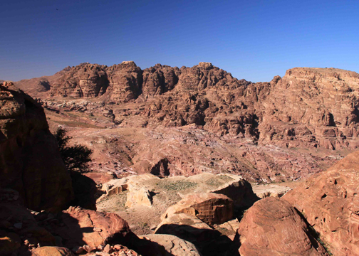 giant cistern at petra