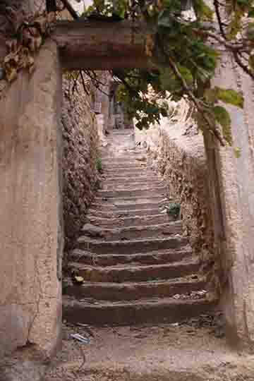 stairs down to the Roman theatre in amman