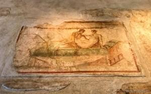 adventuresofacouchsurferpompeii20170909_123134453_iOS-
