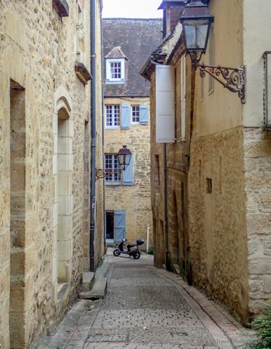 streets of sarlat