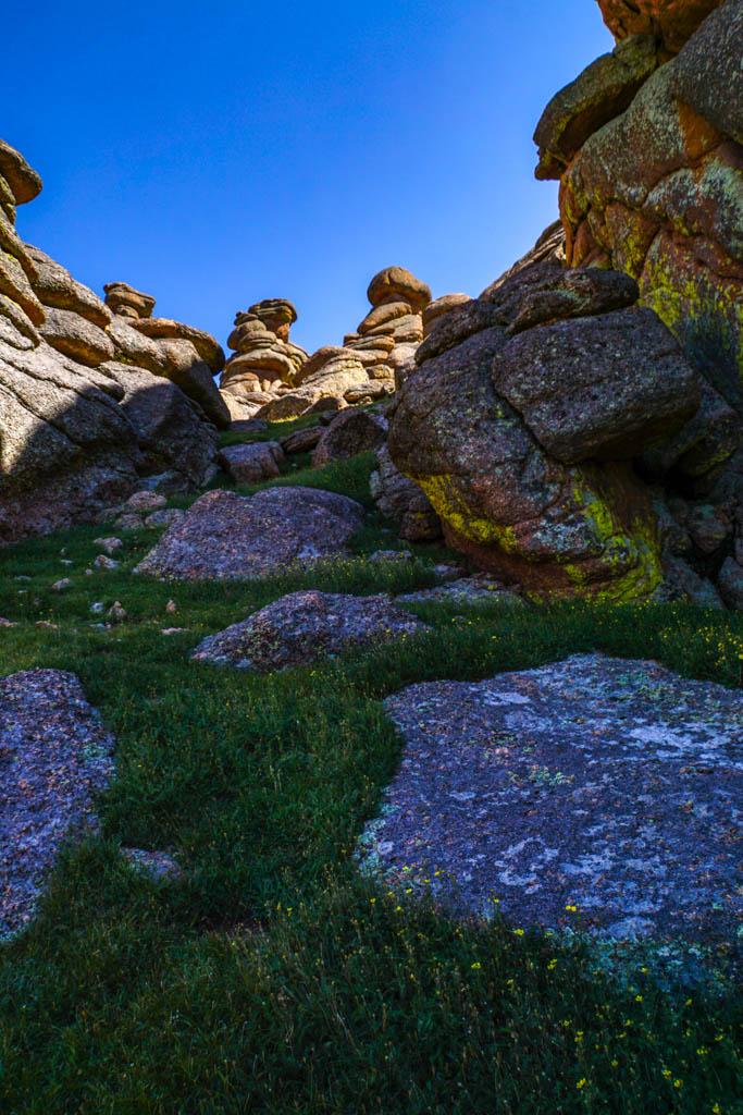 climbing through the rocks to Bison Peak