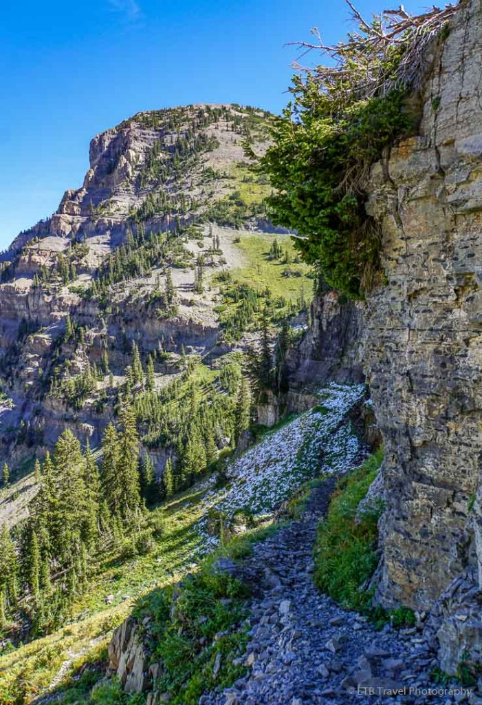 exposure on trail to Emerald Lake