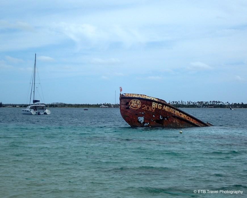 Shipwreck at Pangiamotu  Island