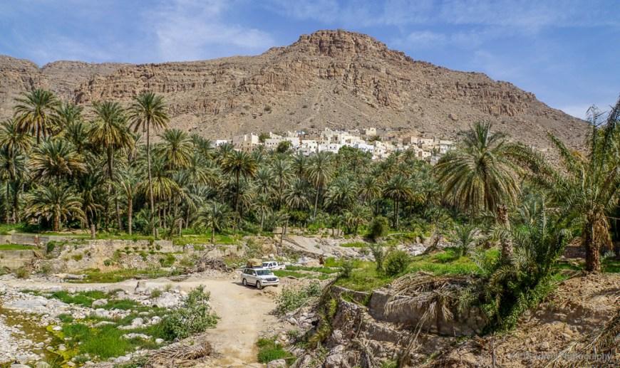 parking at Wadi Bani Khalid