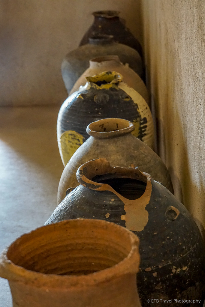 pottery at nizwa fort