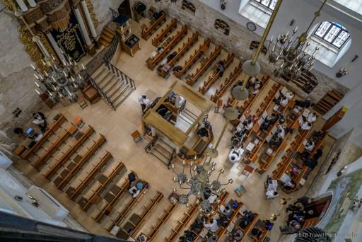 view inside Hurva Synagoge