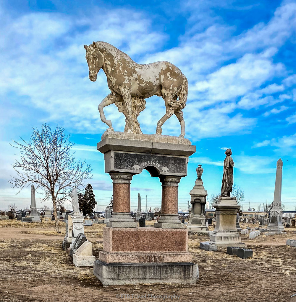 horse tombstone in Riverside cemetery
