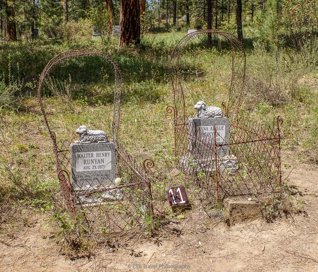 wire crib chidren graves
