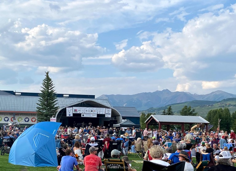 alpen glow music series in crested butte
