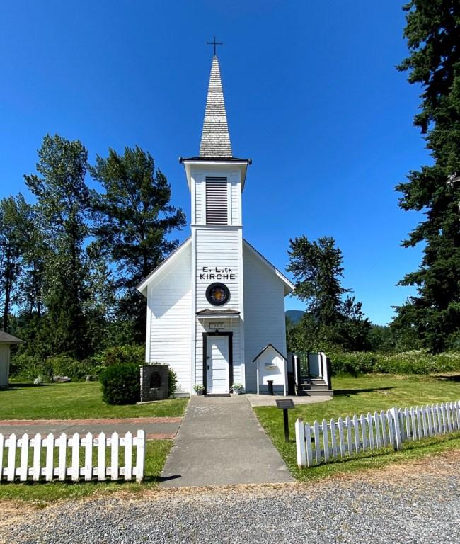 little white church in elbe