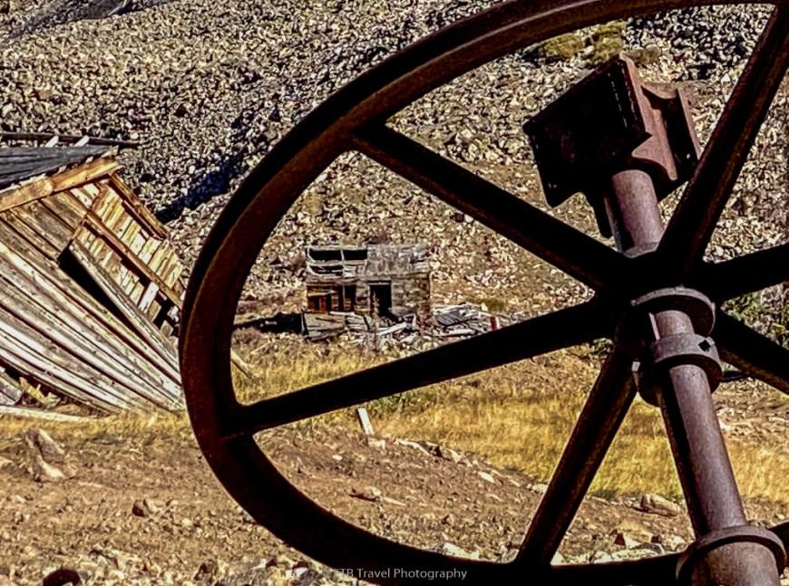 iron chest mine hike near buena vista