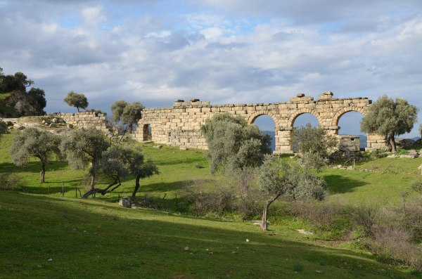 The 45 meter section of the Roman aqueduct of Alinda with 4 remaining arches.