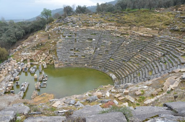 The theatre, erected in the Hellenistic period in the north slope of the south hill, Stratonicea, its capacity was approximately 10,000 spectators.