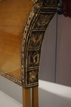 Close-up of details on Queens Lyre