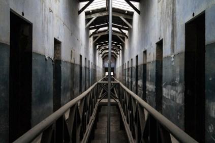 Une aile de la prison laissée en l'état.