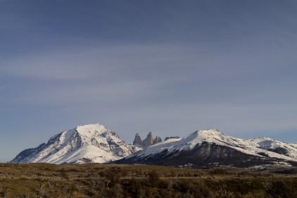 Vue sur les 3 célèbres pics de Torres del Paine.