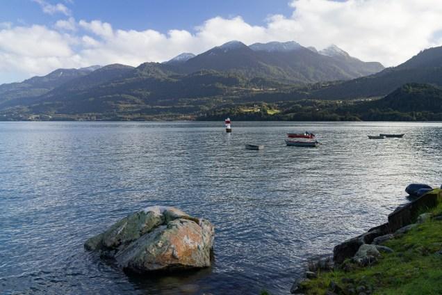 Entre lacs et volcans, on trouve aussi des bras de mers comme ici à Cochamo.