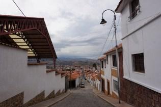 Dans les rues pentues de Sucre.