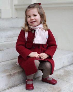 お姉ちゃんデビューを果たしたシャーロット王女、クリスマスのお楽しみは?