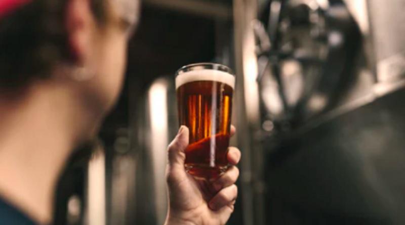 たった1杯のビールを出しただけで…(画像はイメージです)