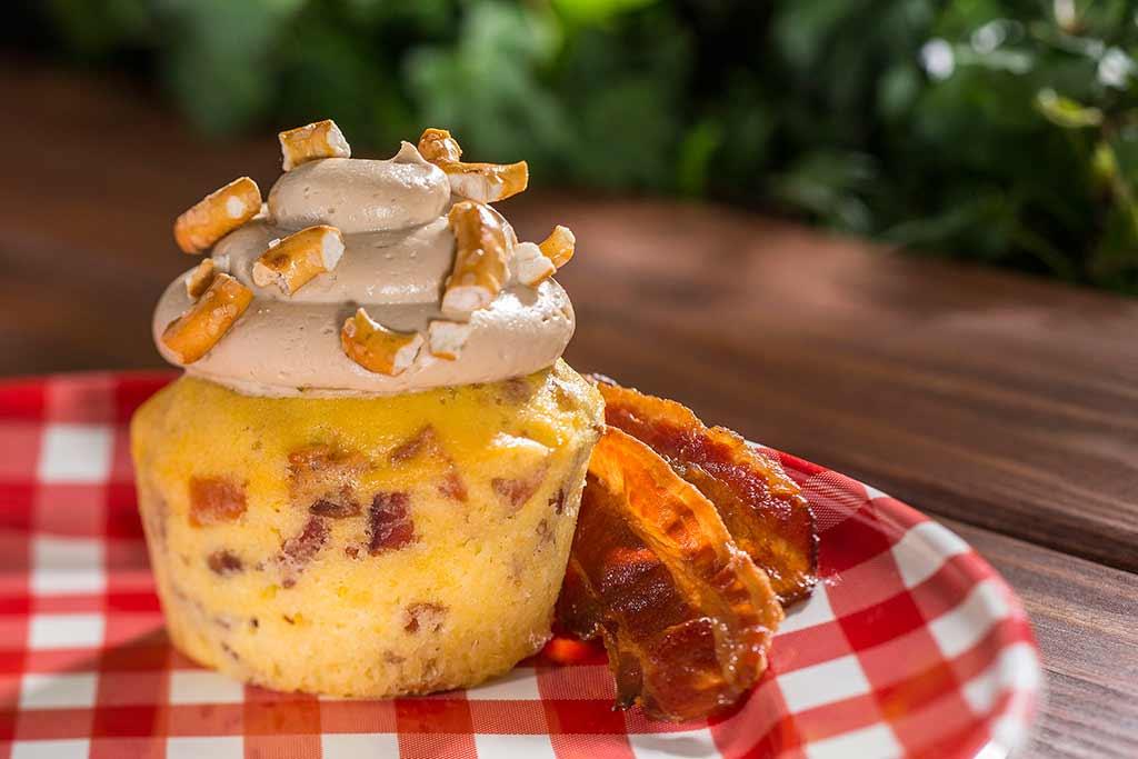 Piggylicious bacon cupcake