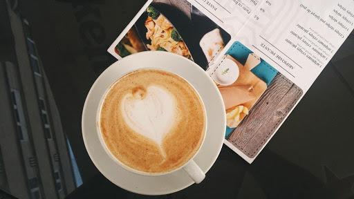 Wat doet de cafeïne uit koffie met je? 1