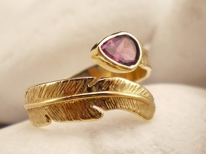 18k Feather Ring with Tourmaline