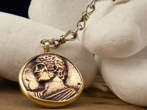 Heniokhos Coin Keychain