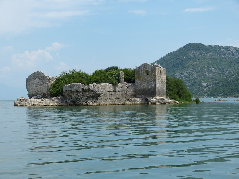 ruined fortress of Skadar - things to do in Montenegro