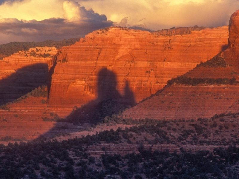 The colors at sunset in Sedona over the red rocks of the landscape