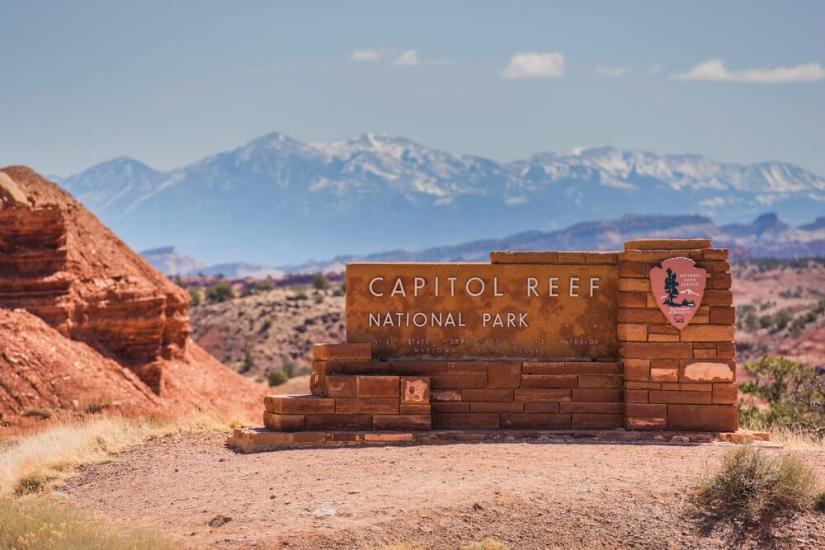 the sign to enter capitol reef national park
