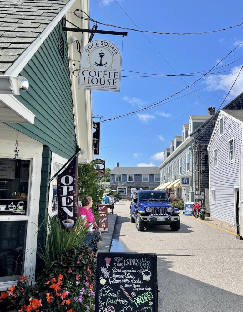 a coffee shop in downtown kennebunkport maine