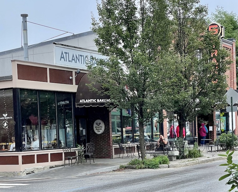 cafe in downtown rockland