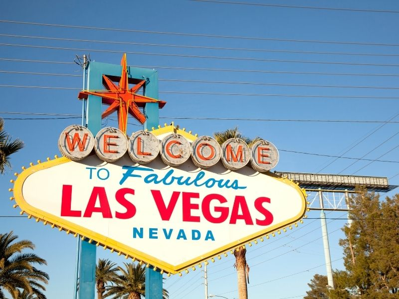 """Retro-fabulous sign that reads """"welcome to fabulous las vegas nevada"""" on a sunny day"""