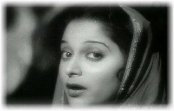 Waheeda Rehman as Gulabo
