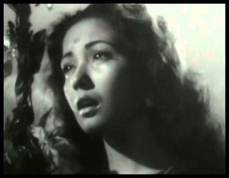 Meena Kumari as Gauri
