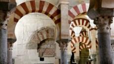 arcos y capiteles