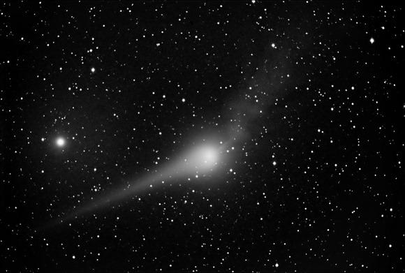 O cometa Lulin em 22 de fevereiro por John Nassr, Filipinas, spaceweather.com