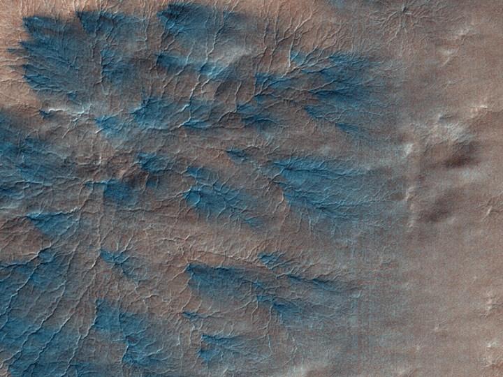 HiRISE mostra figuras fractais em Marte. Crédito: HiRise/Universidade do Arizona