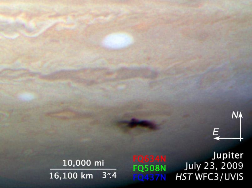 Visão do impacto com anotações. Crédito NASA/ESA