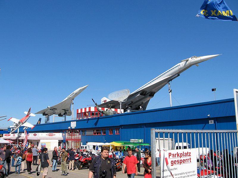 Concorde e Tupolev TU-144 expostos no topo do Auto- und Technikmuseu Sinsheim