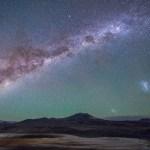 """Um """"outro mundo"""" à noite: galáxias vistas do altiplano do Atacama por Stéphane Guisard"""