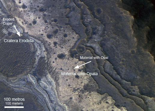 Opala no Valles Marineris em Marte - HIRISE - NASA {1}