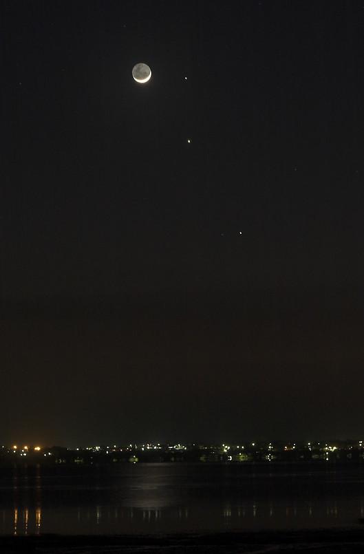 2628979-2-moon-mercury-mars-and-jupiter-conjunction-Mike-Salway