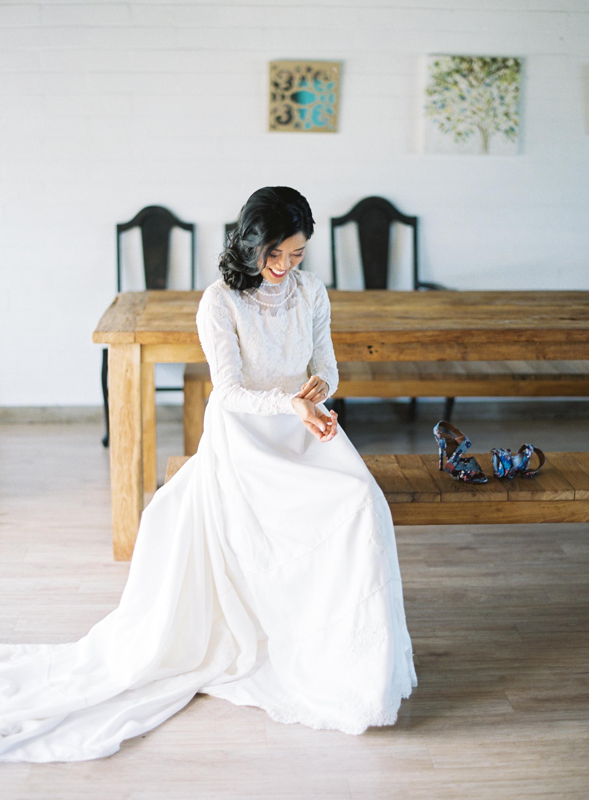 Bride buttons sleeve of dress