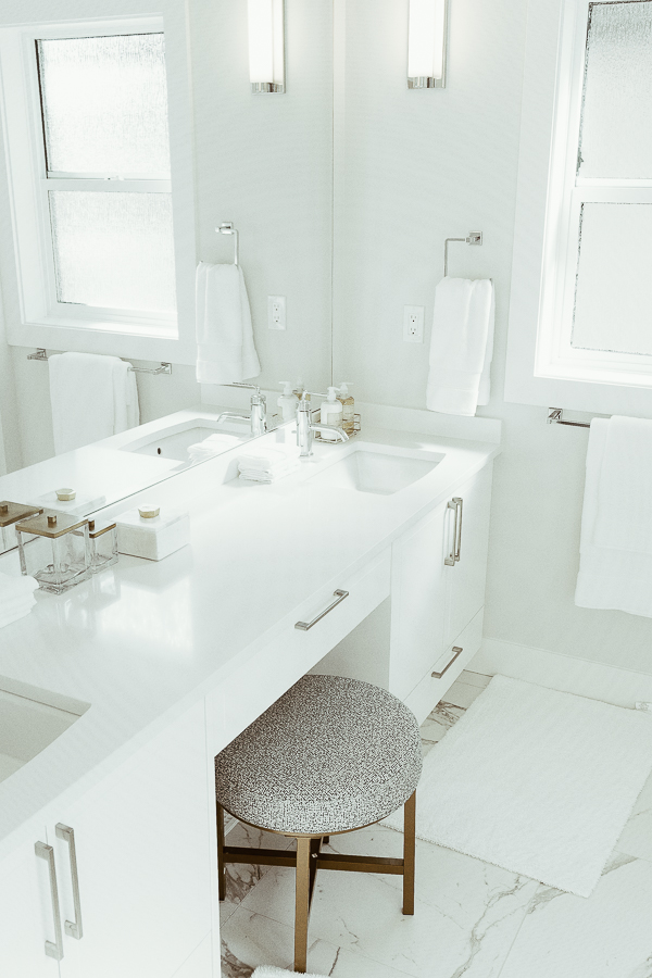 south-surrey-real-estate-master-bathroom